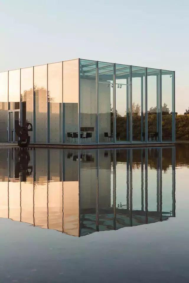 从半路出家到建筑大师,安藤忠雄设计的书店让你不想回家_5