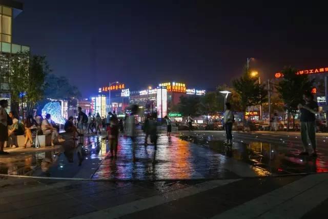 一个单词产生的设计灵感,结果火了北京的商业广场~_54