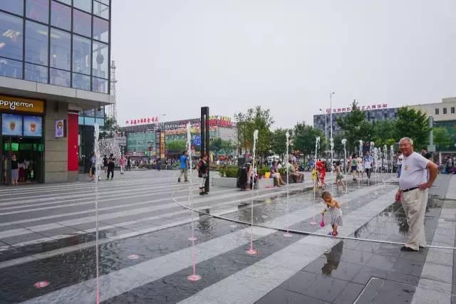 一个单词产生的设计灵感,结果火了北京的商业广场~_22