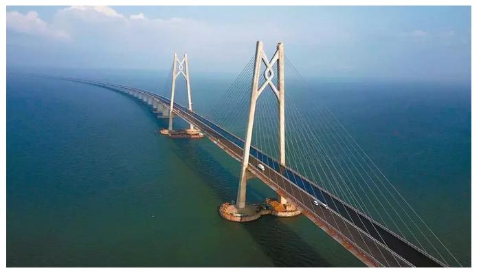 历时9年的港珠澳大桥通了,这3条世界级难度的跨海隧道还有多久呢