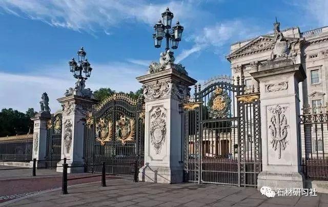 别墅围墙大门用什么样的石材门柱?快来选一款!