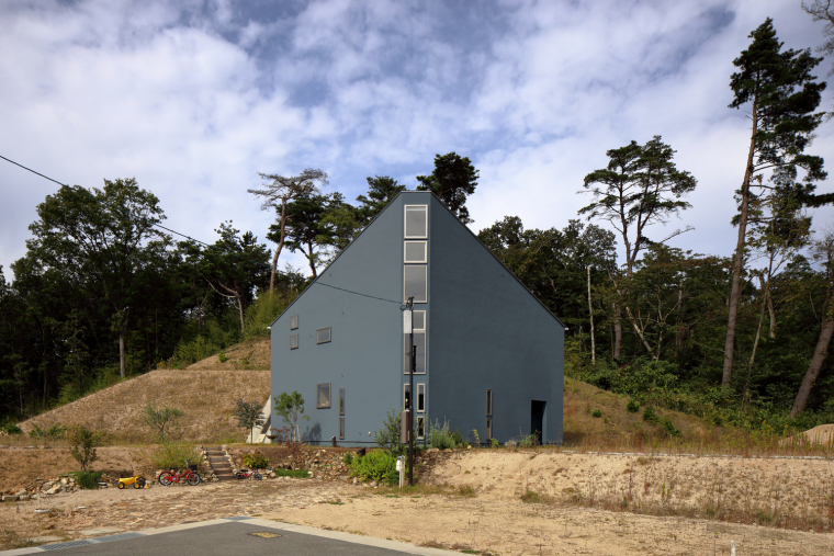 日本三角形小屋
