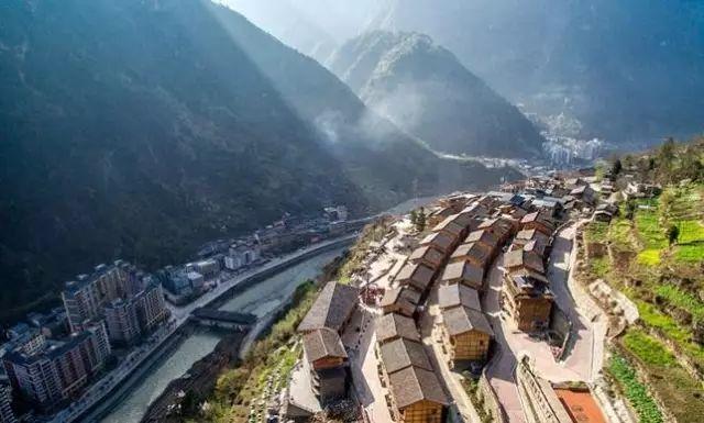 有700名设计师为它重建,让废墟中的村民好好活下去!