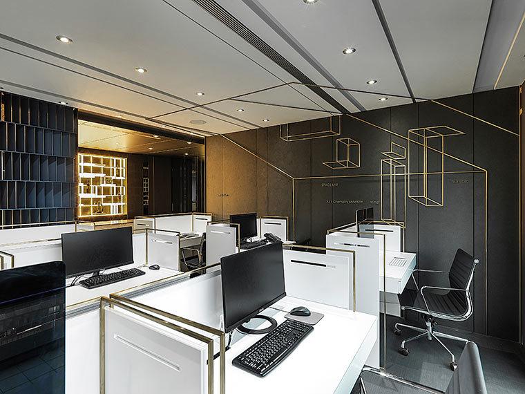 运用LED光箱组成的办公室室内实景图 (4)