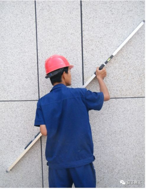 都知道靠尺(检测尺)在施工过程中很常用,但很多人不知道正确使_8