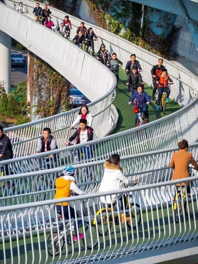 """最长的城市森林步道——""""福道"""""""