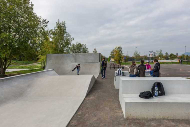 德国后工业场地改造的市民休闲运动空间-mooool-A24-Landschaft-Leisure-sport-kohlelager3
