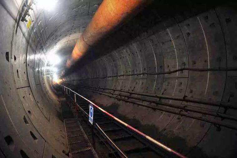长沙地铁3号线顺利完成下穿既有运营的京港高铁隧道