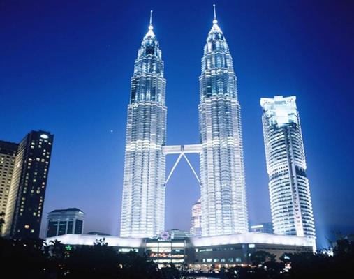 土木工程鉴赏报告-吉隆坡石油双子塔