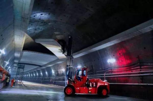 """上海沿江通道越江隧道""""长江一号""""盾构顺利进洞_3"""
