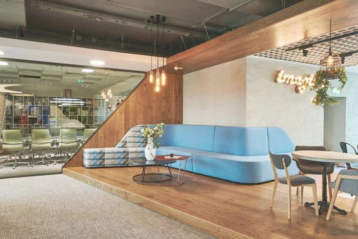 科技公司千亿体育平台室设计方案-2