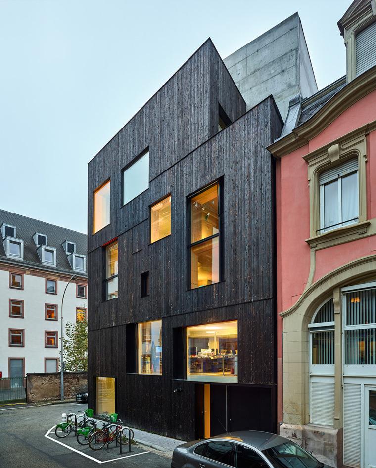 法国斯特拉斯堡办公室与住宅建筑-10