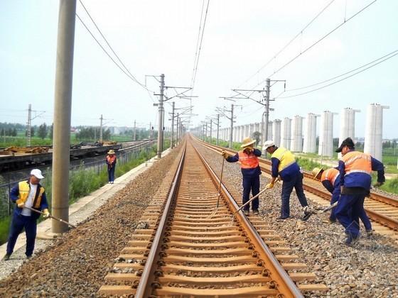 [甘肃]铁路基床表层级配碎石施工方案