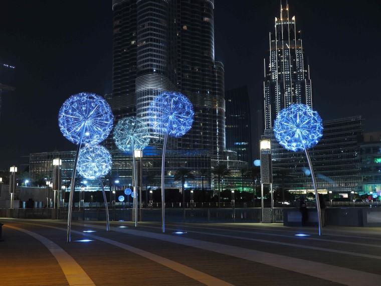 迪拜蒲公英景观灯装置