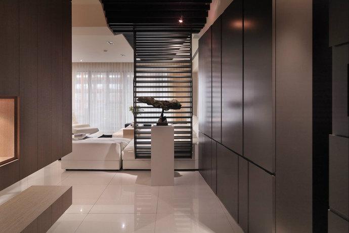 165平方米现代简约三居餐厅装修效果图