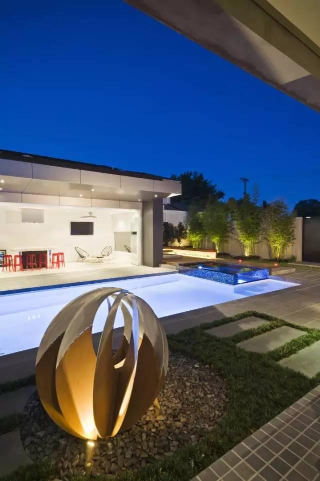 赶紧收藏!21个最美现代风格庭院设计案例_140