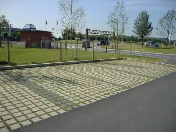 停车场也玩生态_21