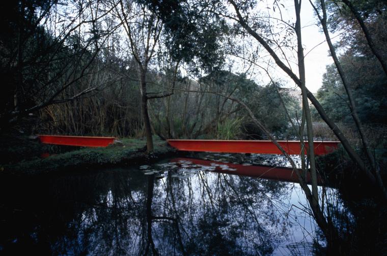 隐藏的河岸休息区