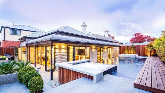 赶紧收藏!21个最美现代风格庭院设计案例_23