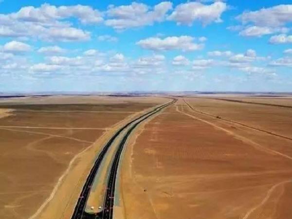 """世界最长穿沙高速公路""""京新高速""""全线贯通_2"""