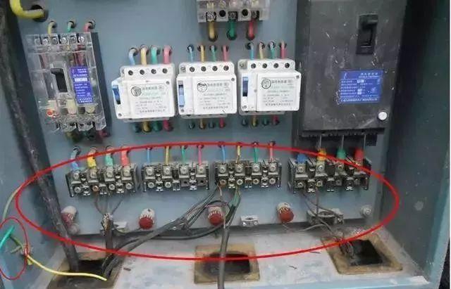 建筑施工现场临时用电安全隐患,全都是错误做法!_17