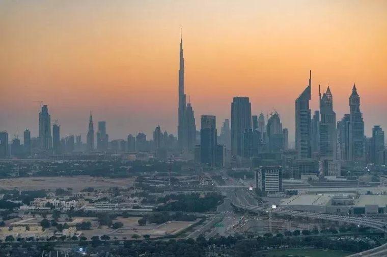 2018年迪拜用3个亿造了个冲破天际的相框_14