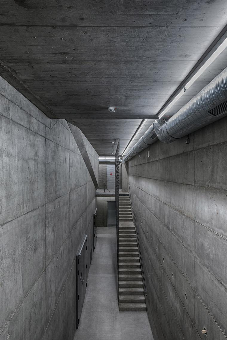 018-centre-for-contemporary-art-dox-by-petr-hajek-architekti