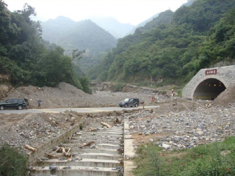 山区公路路线总体设计思路(路线总体设计疑难问题及设计思路)