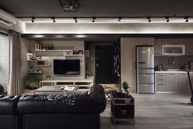 现代感公寓资料下载-复古男士公寓设计,空间既有历史感、现代化家居的舒适体验
