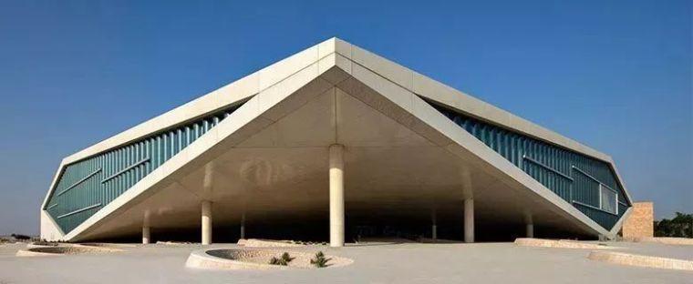 库哈斯最新设计的图书馆,不仅炫酷而且超宽敞