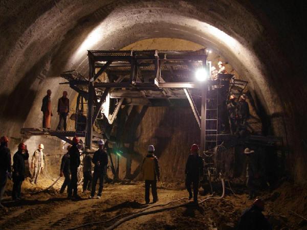 隧道不良地质及风险地段的施工措施