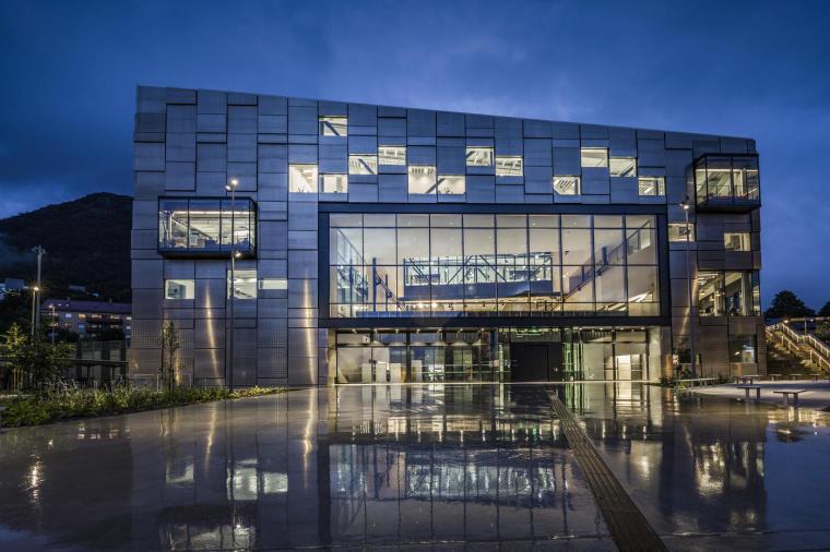 挪威卑尔根大学艺术大楼