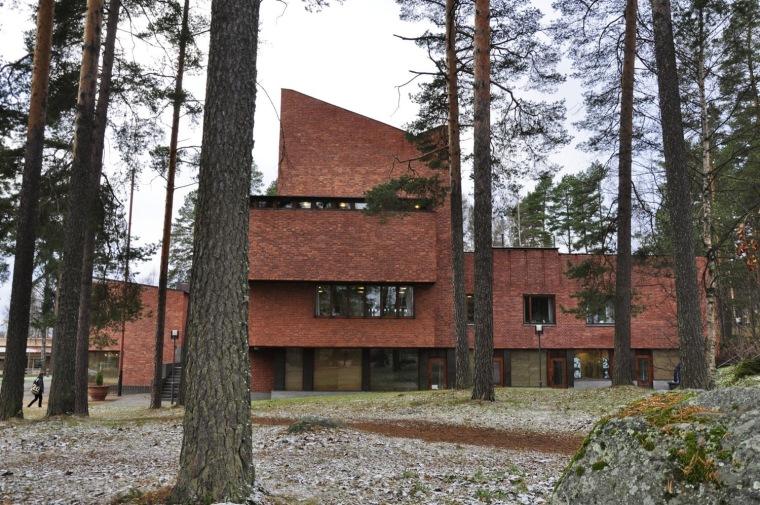 芬兰山纳特赛罗市政厅