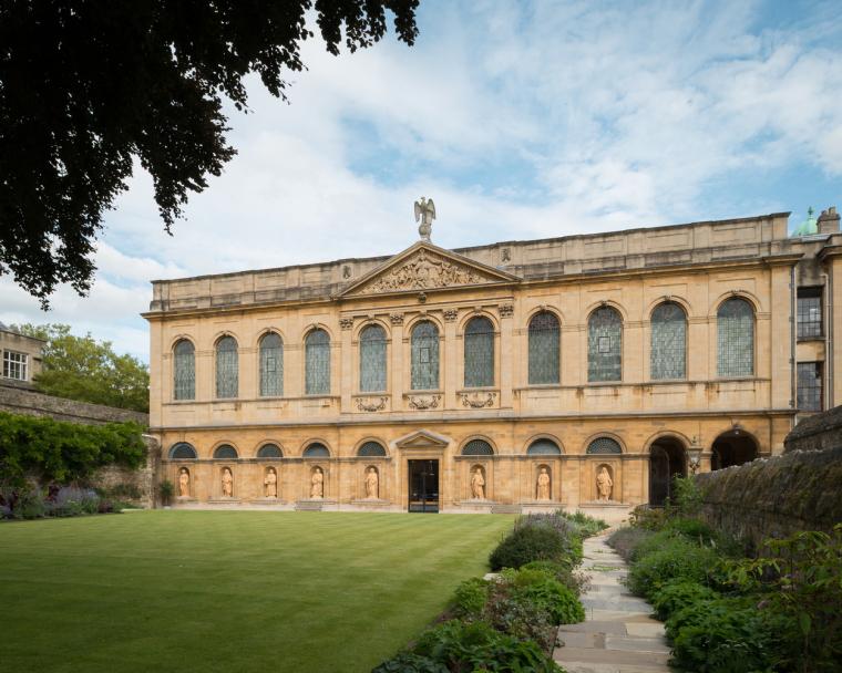 牛津大学皇后学院-1