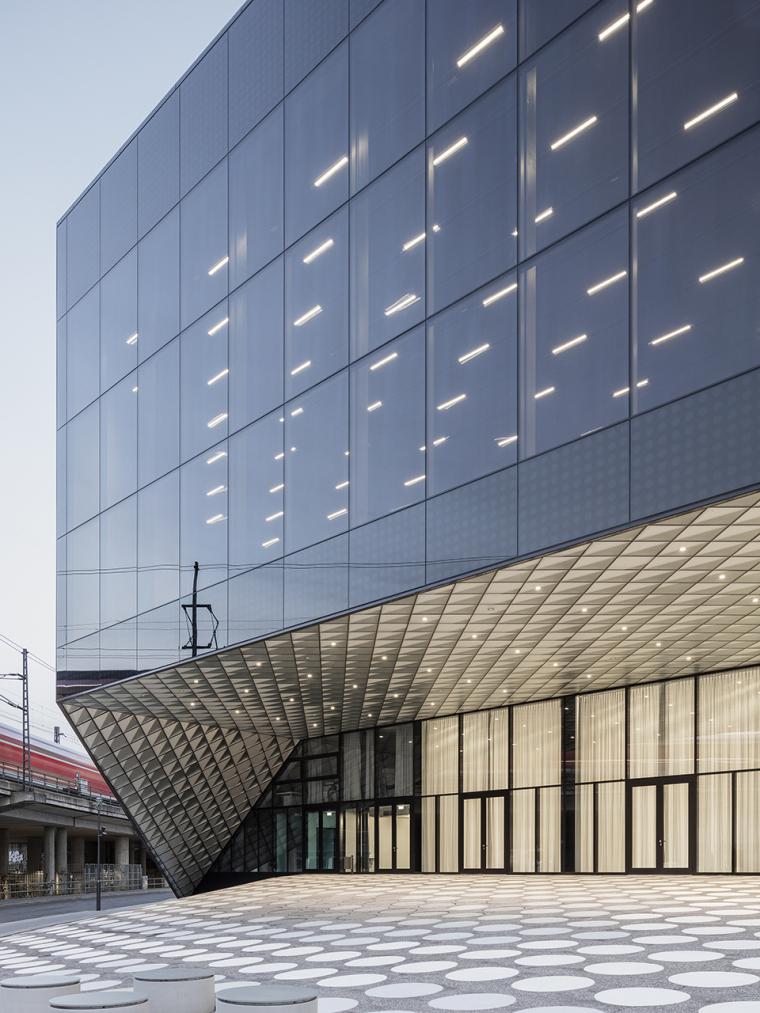 德国低耗能的会展中心-6