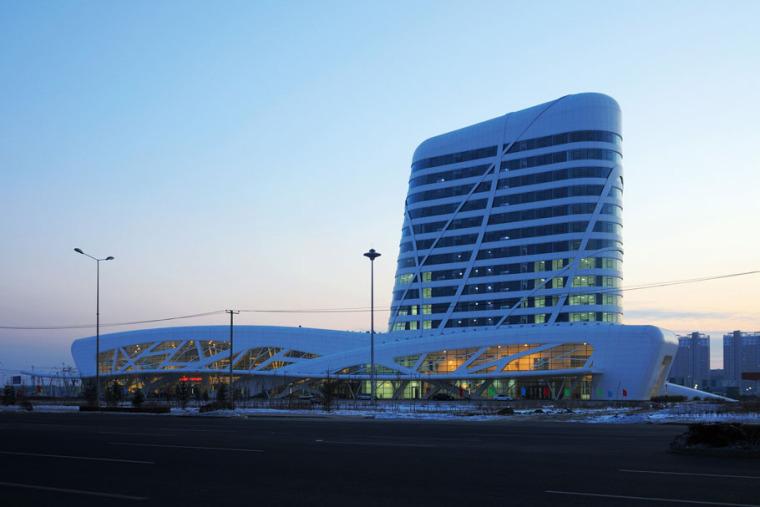 哈尔大庆滨公路客运枢纽站_5