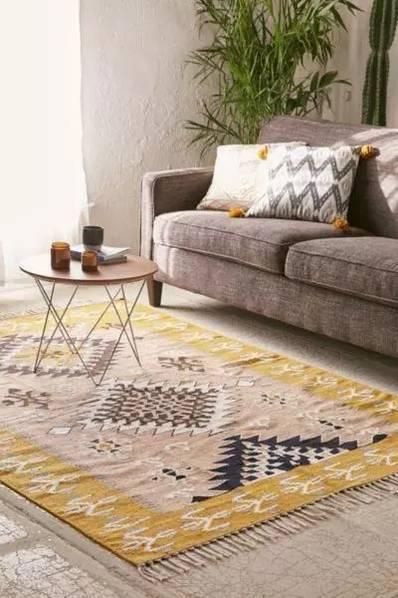 一张地毯就能提升家居品味 这些搭配很好看!