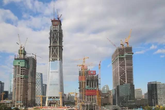 北京第一高楼中国尊突破400米,创造23项世界和中国纪录!