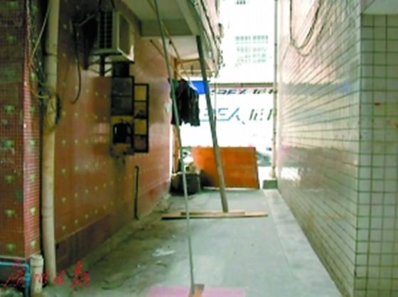 石井一栋7层倾斜民房或倒塌,街道紧急疏散周边住户