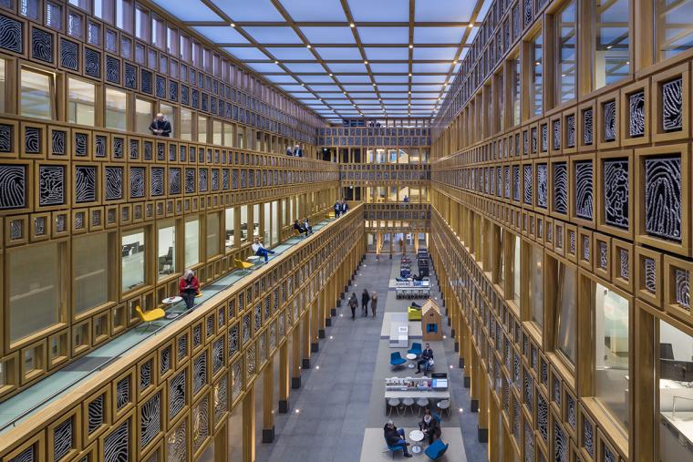 全新代芬特尔市综合体建筑内部实景图 (6)