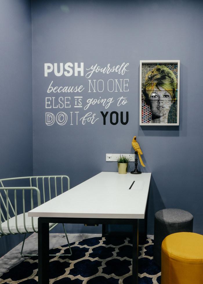 INTERISLAND现代风格办公室室内实景图 (7)