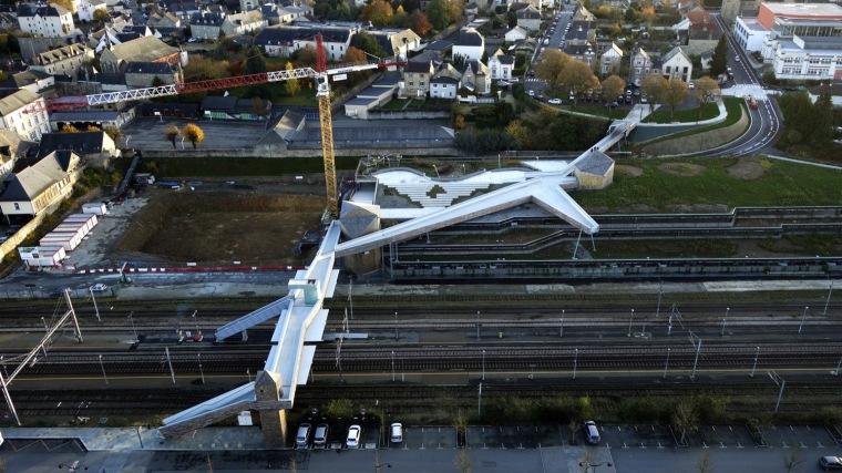 法国P.E.多模式立体交叉道项目