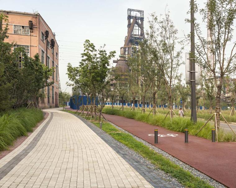 北京首钢晾水池东路景观-5