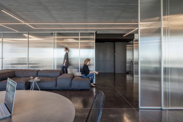 Basix灵活且动态的总部办公室-9