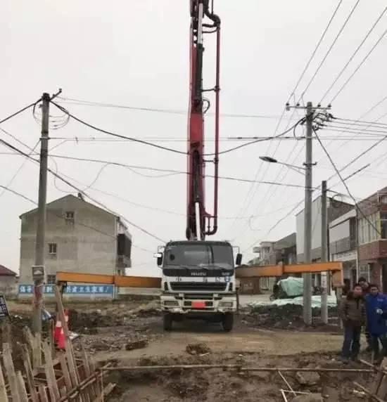 泵车施工事故现场图片