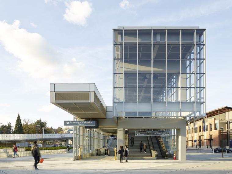 美国华盛顿大学轻轨站-1