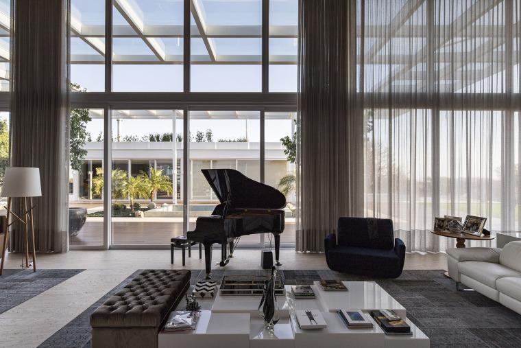 结构与空间融合的JardimdoSol住宅-22