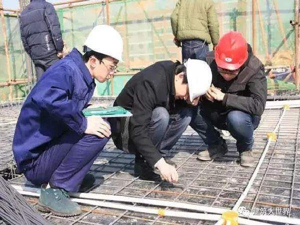 综合脚手架是否包含电梯井、剪力墙等施工脚手架?