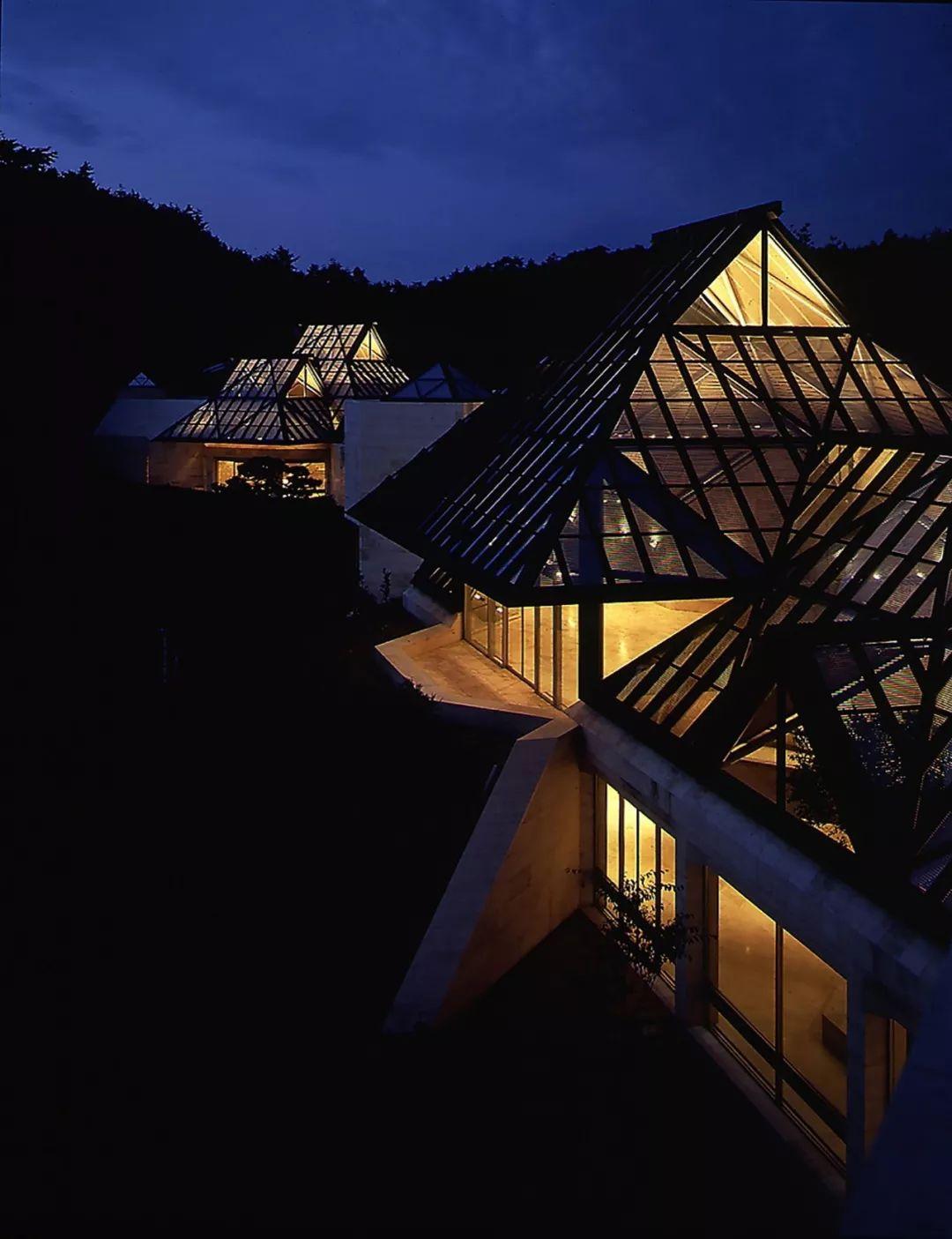 致敬贝聿铭:世界上最会用「三角形」的建筑大师_66