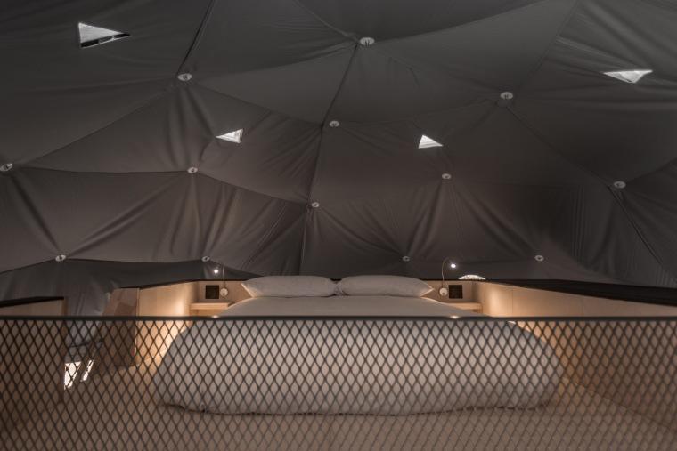 加拿大树林里的球状帐篷旅馆-9